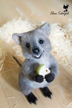 Купить Квокка - разноцветный, серый, квокка, кенгуру, игрушка из шерсти, валяная игрушка, валяние из шерсти