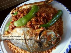 Couscous with fish in the sfaxienne - Tunisme - Recettes africaines - Cooking 101, Cooking Recipes, Libyan Food, Algerian Recipes, Algerian Food, Tunisian Food, Cooking With Olive Oil, Pasta, Middle Eastern Recipes