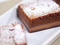 Prajitura desteapta cu Ciocolata - Reteta video Banana Bread, Sweet Treats, Cheesecake, Sweets, Desserts, Cakes, Sweet Pastries, Tailgate Desserts, Cheer Snacks