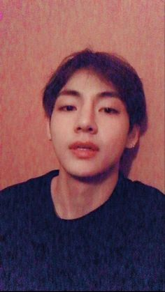Image shared by Zoe. Find images and videos about kpop, bts and jungkook on We Heart It - the app to get lost in what you love. Taehyung Selca, Bts Selca, Kim Namjoon, Bts Bangtan Boy, Jung Hoseok, Seokjin, Bts Boys, Foto Bts, Taekook