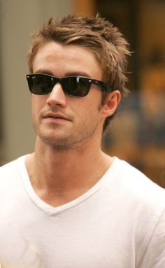 Robert Buckley - he definitely qualifies for this category. P.S. If I had a vote - he'd be my choice to play Christian Grey. Just sayin'...