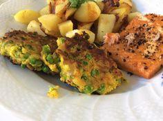 Ærtedeller, ja hvad er nu det for nogle størrelser. De er en skøn lille lækker sag der smager fantastisk. De er lavet på nogle rester jeg havde og har vi ikke alle det bare engang imellem, vi mangler bare lige en ide til hvordan vi får dem brugt, så vi undgår madspild. Du kan faktisk bruge alle slags grønsagsrester, hvis du ikke lige har ærter i fryseren. Server dine skønne Ærtedeller til alt slags kød og fisk, eller som tilbehør til din blandet salat. Er også fantastiske i madpakken…