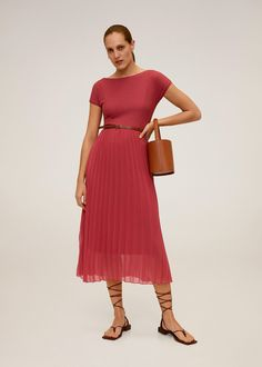 Combined design Flared design Rounded neck Short batwing sleeve Pleated skirt Open back Inner lining Pink Midi Dress, Midi Shirt Dress, Dress Skirt, Midi Dresses, Bridesmaid Dresses, Stretch Dress, High Street Fashion, Robes Midi, Tea Length