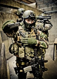 French operator of 1er RPIMa (Assault Para. Regiment / SOF - COS) during urbain assault training.