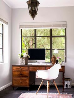 Gorgeous desk