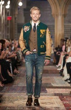 Ralph Lauren Hombre, Ralph Lauren Style, Polo Ralph Lauren, Preppy College Style, Preppy Style, Varsity Jacket Outfit, Bomber Jacket, Tartan Men, Estilo Preppy