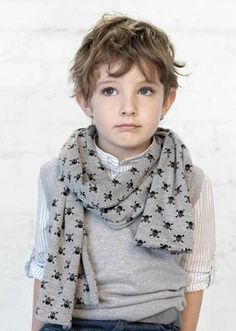 Pin de katelyn lincoln en spawn kids fashion, kids boys y bo Fashion Kids, Foto Fashion, Little Boy Fashion, Baby Boy Fashion, Zara Kids, Cute Kids, Cute Babies, Little Boy Haircuts, Skull Scarf