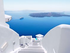 Luxury Greek Island Hopping - 12 nights from $3085pp    Glittering seas, miles of peaceful olive groves, mountain slopes covered in sweet smelling herbs, whitewashed houses gleaming in an endless summer sun. The Cyclades islands also offer ancient culture and a lively local scene. This eclectic itinerary ensures you see the best of this diverse archipelago.    INCLUDES:    • 12 nights of accommodation in the hotel category of your choice • 12 breakfasts • Transfers in private vehicles…