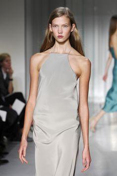 whore-for-couture: kaloriesblog: Karlie Kloss @ Calvin Klein SS 08 Haute Couture blog :)