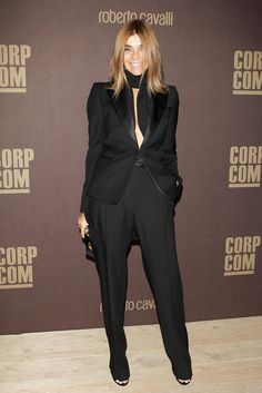 The Carine Roitfeld Look Book - The Cut Kitty Heels, Celebrity Fashion Outfits, Celebrities Fashion, Celebrity Style, Carine Roitfeld, Mature Fashion, All Black Outfit, Parisian Chic, Couture Week