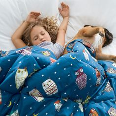 Primaloft Deluxe Throw Blanket – Starry Night - Donning an assortment of stripes, squiggles, zigzags and dots, the roosting night-birds on this whimsical throw blanket remain wide awake well into the night.