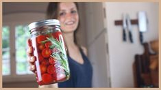 TOMATEN FERMENTIEREN: Das Rezept mit dem WOW-Effekt! 😋 - YouTube Voss Bottle, Water Bottle, Kombucha, Kitchen Hacks, Mason Jars, Food And Drink, Vegetables, Drinks, Ethnic Recipes