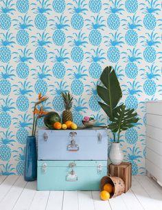 Zo maak je van jouw interieur een tropisch paradijs - Roomed | roomed.nl Pineapple wall decoration
