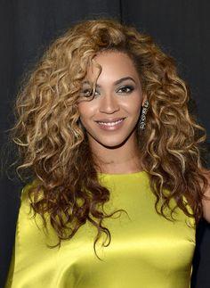 Beyonce Knowles @ 2012 BET Awards - always rocks her curly locks