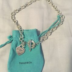 Return to Tiffany Sterling Silver Necklace Only worn a few times. Pure sterling silver. Comes with jewelry bag! Tiffany & Co. Jewelry Necklaces