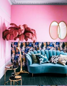 Pink wall, feather palm leaf ornament and teal velvet sofa - House of Fraser Pink Home Decor, Retro Home Decor, Easy Home Decor, Home Decor Styles, 1920s Home Decor, Top Interior Designers, Interior Design Tips, Teal Velvet Sofa, Interiores Art Deco