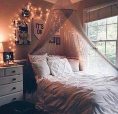 Kuva: We Heart It #bed #bedroom #diy #grunge #interior #lights #tumblr