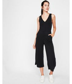 Tie Back Culotte Jumpsuit Black Women's 16 Rompers Women, Jumpsuits For Women, Trendy Outfits, Fashion Outfits, Pants For Women, Clothes For Women, Long Jumpsuits, Bold Fashion, Style Fashion