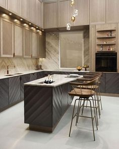 46 Beautiful Luxury Kitchen Design Ideas To Get Elegant Look - In the event that you imagined that luxury kitchen cupboards are just the benefit of the rich, first-class and superstars you're mixed up. Luxury Kitchen Design, Best Kitchen Designs, Luxury Kitchens, Interior Design Kitchen, Modern Interior Design, Cool Kitchens, Kitchen Ideas, Dream Kitchens, Kitchen Trends