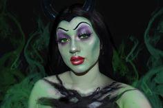 💜Maléfica💚 Creo que este es mi maquillaje favorito hasta el momento 💛 quería hacer una mezcla entre la película vieja y las nuevas y amo… Halloween Makeup, Make Up, Instagram, Old Movies, I Love, Makeup, Haloween Makeup, Bronzer Makeup, Halloween Make Up