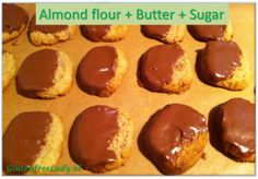 Almond cookies from 3 ingredients! http://glutenfreelady.nl/almond-cookies/