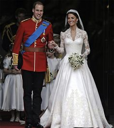 Royal Wedding : Prince William and Kate Middleton (in a Sarah Burton for Alexander McQueen gown