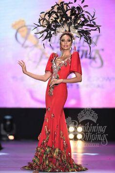 Binibini 21 Alaiza Flor Malinao Philippine Fashion, Filipino Fashion, Peacock Costume, Tribal Costume, Maria Clara Dress Philippines, Baro't Saya, Modern Filipiniana Gown, Miss Pageant, Filipino Culture