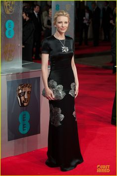 cate blanchett baftas 2014 red carpet 01 Cate Blanchett is gorgeous in a floral dress while arriving at the 2014 British Academy Film Awards held at The Royal Opera House on Sunday (February 16) in London,…