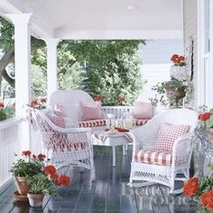 lovely porch with pretty white wicker furniture Cottage Porch, Home Porch, House With Porch, Cozy Cottage, Outdoor Rooms, Outdoor Living, Outdoor Furniture Sets, Furniture Ideas, Balcony Furniture