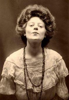 Portrait of an Irish girl, around 1910.
