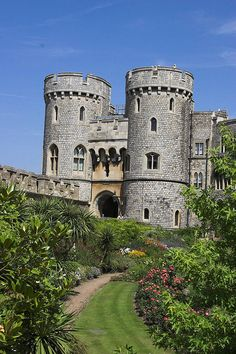 Norman Gateway, Windsor Castle  Windsor, Berkshire, England - After living in England for 8 years, my mother has been there several times, but I, alas, have not been. *sigh* it's on my list! XD