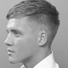 Short Taper Haircut, Short Shaggy Haircuts, Fringe Haircut, Tapered Haircut, Haircuts For Men, How To Curl Short Hair, Short Hair Cuts, Tommy Shelby Hair, Peaky Blinders Frisur