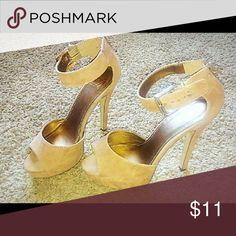 💥Flash Sale💥Tan Heels In excellent condition. 3.75 inch heel Shoes Heels