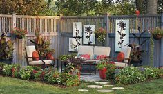 Patio design ideas: Is your patio lacking something? We've got 6 important patio design ideas that include accessories and plants to complete the look! Diy Deck, Diy Patio, Backyard Patio Designs, Backyard Landscaping, Patio Ideas, Landscaping Ideas, Backyard Ideas, Garden Ideas, Deck Design