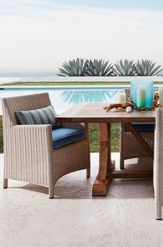 Our Hyde Park Outdoor Dining Collection creates an immensely striking, comfortable, and durable outdoor living area to both admire and reflect its surrounding beauty.