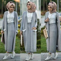 31 Ideas for fashion hijab style cardigans Tesettür Kombinleri Modern Hijab Fashion, Street Hijab Fashion, Islamic Fashion, Abaya Fashion, Muslim Fashion, Fashion Outfits, Fashion Ideas, Hijab Style Dress, Hijab Chic