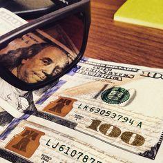 Dólar al alza.