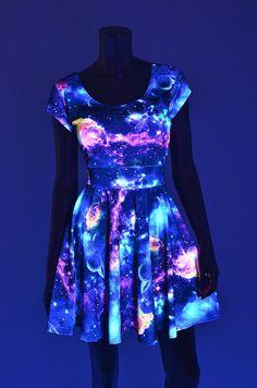vestido que brilla en la oscuridad