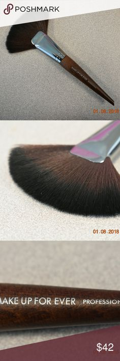 Makeup forever 134 Large powder fan brush Makeup forever 134 Large powder fan brush  A large fan-shaped brush for highlighting and sculpting.   - Brand new and 100% authentic - Unboxed comes in plastic sleeve  Pictures taken by me 100%  Offers always welcome!  Pictures taken by me 100% Makeup Forever Makeup Brushes & Tools