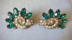 Eisenberg Original Sterling Gold Green Clear Rhinestone Earrings di LesFakesdAntan su Etsy