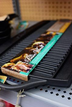 The Pioneer Woman Collection cast iron grill/griddle Teal Kitchen, Kitchen Dinning, Kitchen Dishes, Kitchen Redo, Kitchen Items, Kitchen Styling, Kitchen Things, Kitchen Stuff, Dining