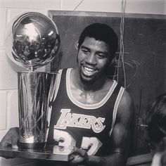The greatest pg of all time. #magic #magicjohnson #earvinjohnson #everett #ehs #lansing #michigan #michiganstate #msu #spartans #Padgram