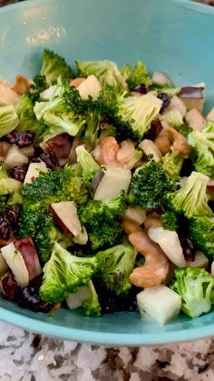 Healthy Salad Recipes, Vegetable Recipes, Healthy Snacks, Vegetarian Recipes, Healthy Eating, Cooking Recipes, Healthy Broccoli Recipes, Broccoli Meals, Apple Broccoli Salad