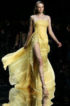 Elie Saab in flowing yellow.