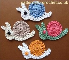 Motif crochet pattern Looking for your next project? You're going to love Motif crochet pattern by designer justcrochet. - via for your next project? You're going to love Motif crochet pattern by designer justcrochet. Crochet Escargot, Crochet Snail, Crochet Mignon, Crochet Amigurumi, Crochet Bunny, Cute Crochet, Crochet Animals, Crochet Crafts, Crochet Flowers