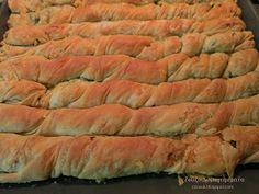 Ζουζουνομαγειρέματα: Στριφτάρια με σπανάκι και πράσο!!! Pita Recipes, Pastry Recipes, Greek Recipes, Cooking Recipes, Healthy Recipes, Greek Pita, Eat Greek, Cheese Pies, Greek Cooking