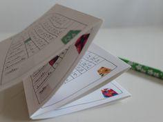12 petites maisons pour un calendrier � poser ou � glisser dans son sac.D�pliant 6 volets de 7x10 cm, soit 42 cm de longueur.Recto/verso sur papier 160g.Cr�ation papillon?papillonnage