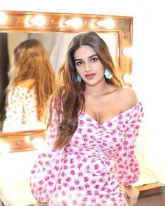 #NIDHHIAGERWAL NIDHHI AGERWAL #PHOTO #GALLERY #EDUCRATSWEB