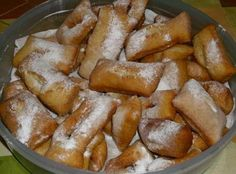 These Beignets remind me of Carnaval (Mardi-Gras) and good times. In Haiti during the Carnaval and Mardi-Gras, families, relatives and friends gather together to enjoy the festivities and this delectable casual desert made with bananas. Carribean Food, Caribbean Recipes, Mardi Gras, Just Desserts, Dessert Recipes, Donut Recipes, Pie Recipes, Hatian Food, Churros