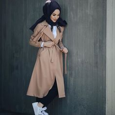 Can I learn the price of this dress for the bidet fabric? Islamic Fashion, Muslim Fashion, Modest Fashion, Hijab Fashion, Girl Fashion, Fashion Outfits, Hijab Elegante, Hijab Chic, Hijab Dress